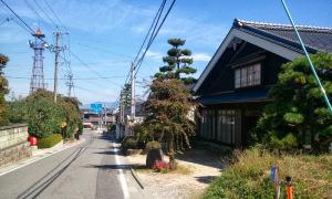 三州街道沿いの民家(大島)