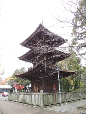 神戸町日吉神社の三重塔