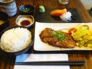 寶琳駅前 日本料理 魚の神